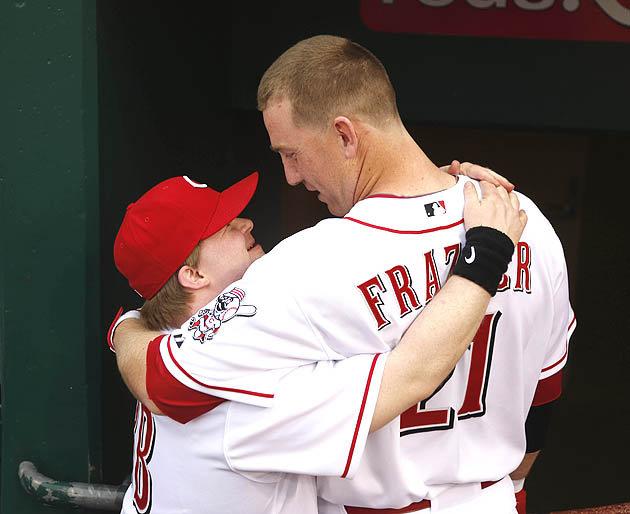 Cincinnati Reds' Todd Frazier delivers1