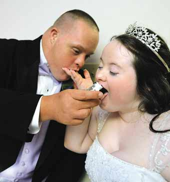 Couple with Down syndrome tie the knot